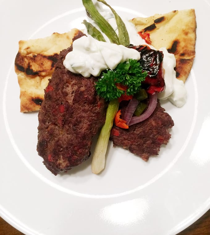 Elk 'Kafta' with tzatziki and flatbread